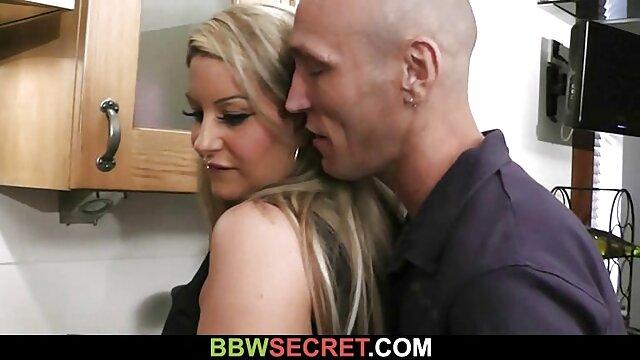 Teeny Lovers pormo casero - Lina Montana - Secretaria modelo adolescente juega a follar