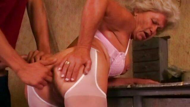 Emy toma anal casero con mi tia en medias por viejo